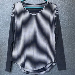LULULEMON long sleeve tee-black and white stripes